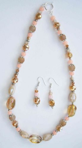 Peaches & Cream Sparkle Necklace & Earrings Kit